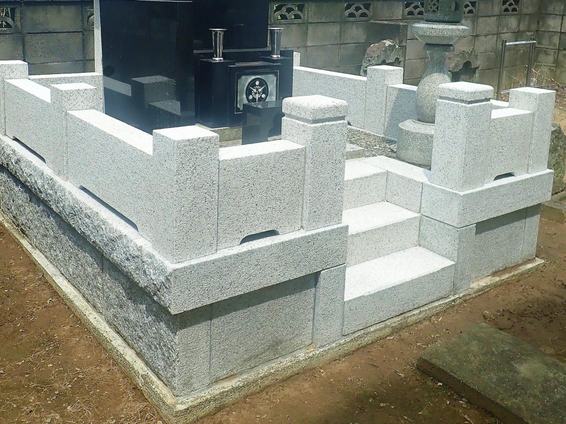 三郷市個人墓所<br>外柵クリーニング