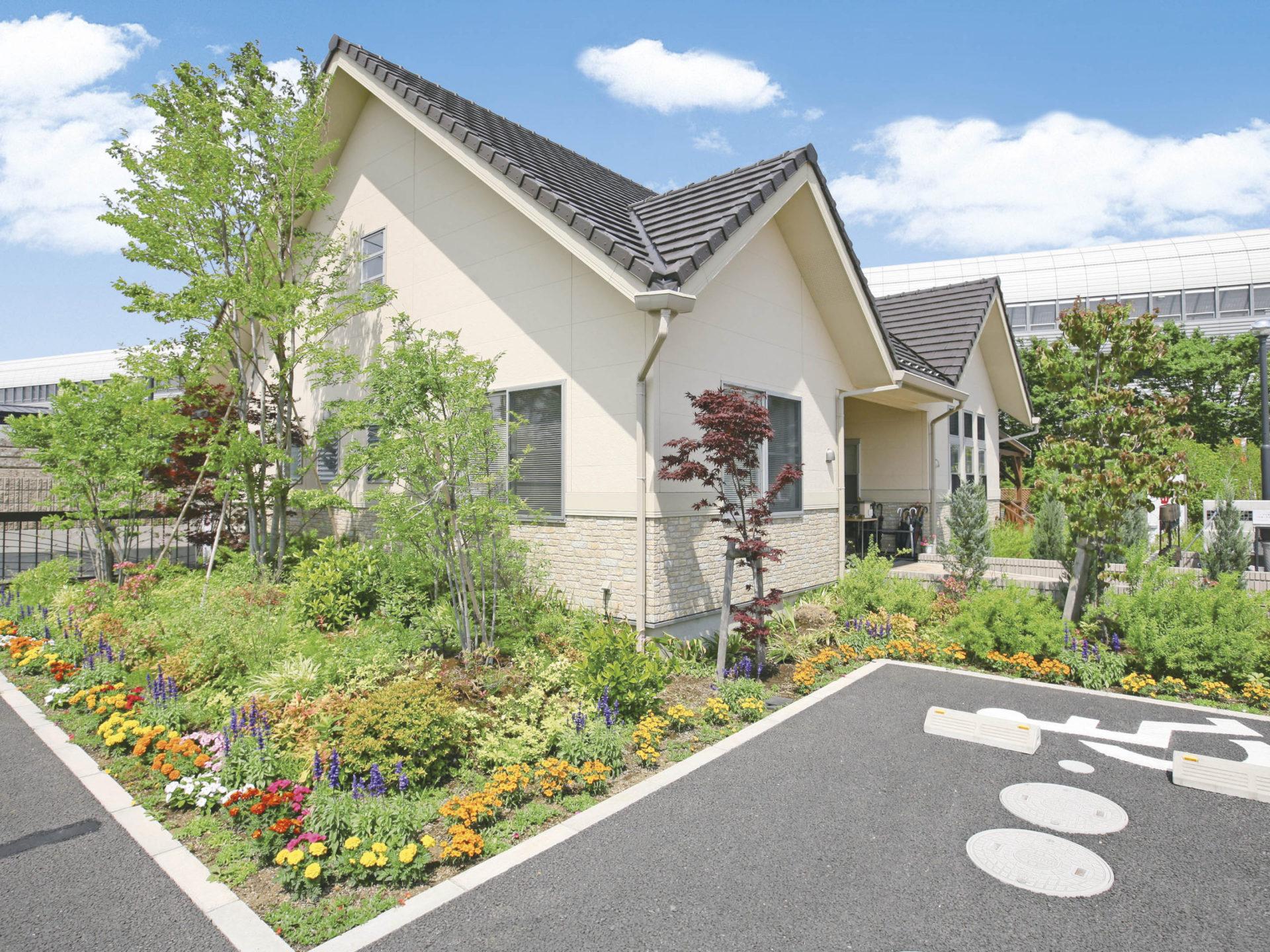 三郷中央聖地<br>(埼玉県三郷市)